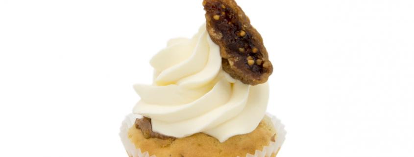 Herzhaft Fruchtiger Cupcake & frisches Creme Topping