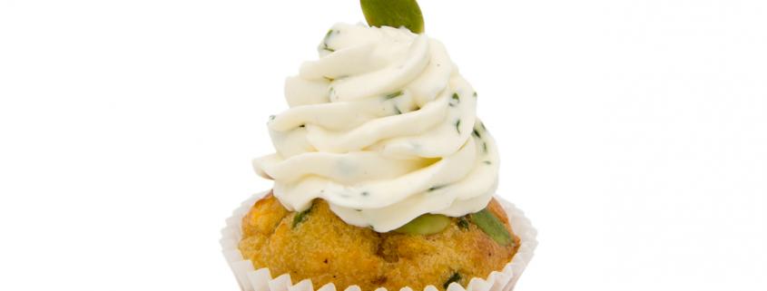 Herzhafter Kürbis-Speck Cupcake & Schmand-Kresse Topping