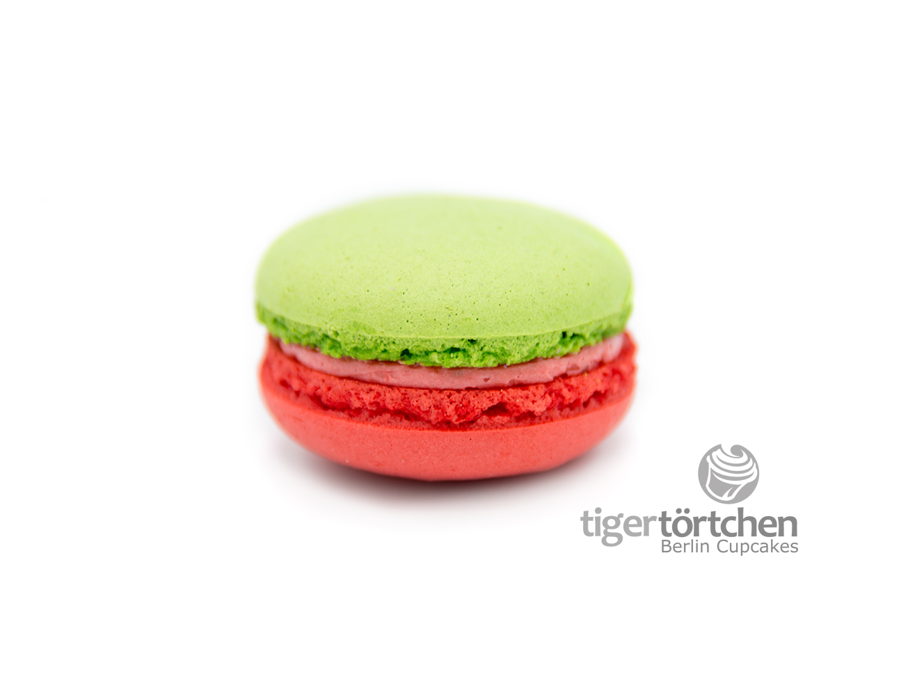 Macaron Erdbeer-Basilikum tigertörtchen Berlin