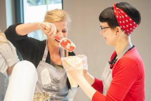 Privates Backevent Backschule Berlin Cupcakes tigertörtchen