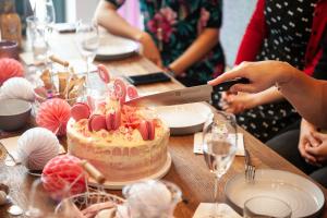 Party Berlin Sweet BakeNight Backevent Freundinnen Backen Schule Backkurs